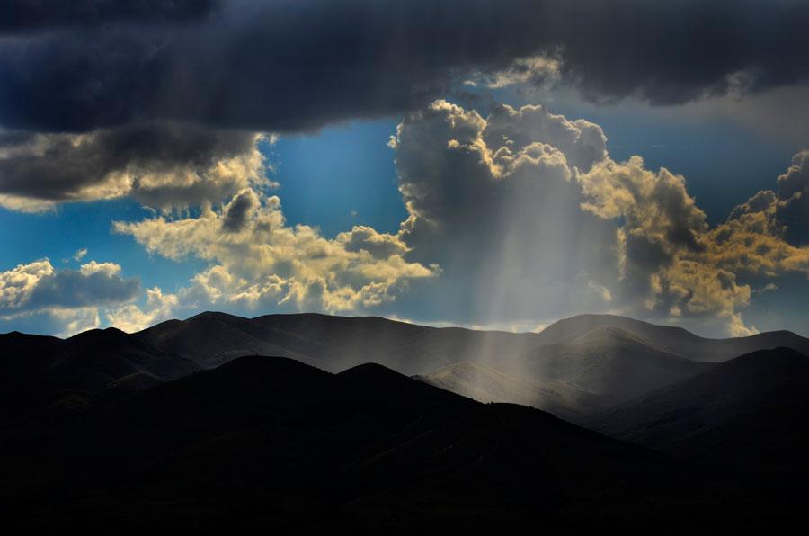 09-15-13-Sun-Rays-&-Mountains-078022