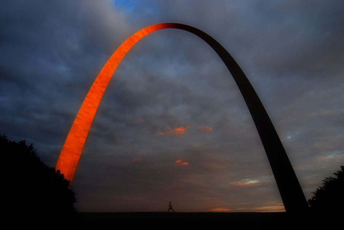 St-Louis-Arch-&-Runner