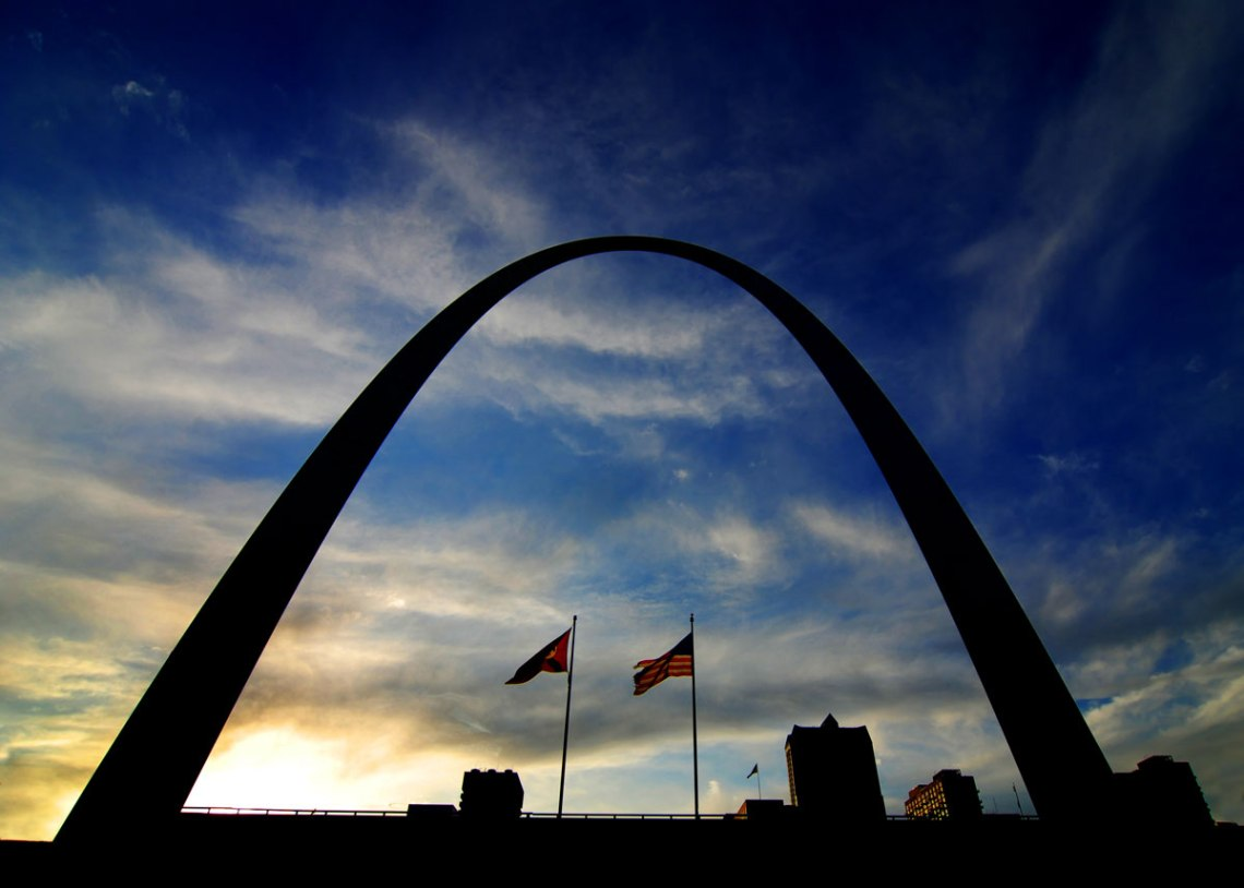 St-Louis-Arch-Silhouette